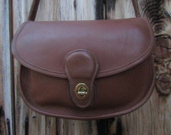 """Coach ~ Prairie Bag ~ Tan ~ Glove ~ Leather ~ Mint ~ Awesome ~ Vintage ~ Recycled ~ Medium Size ~  10"""" X 7"""" X 3.5"""""""