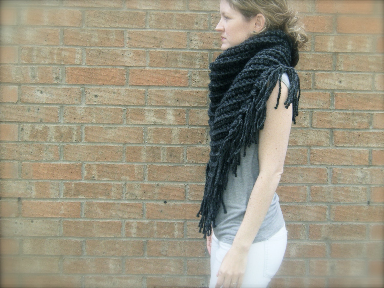 Diy crochet pattern triangle scarf chunky bulky yarn zoom bankloansurffo Images