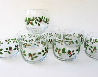 Vintage Christmas Cocktail Glasses - Mid Century Barware - 8 Holly  Roly Poly Glasses - Green and Red Holly Decoration - Whiskey Glasses -