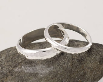 Wedding Rings Set, His and Hers Couples Rings-His and Hers Wedding Band Set -Hammered Wedding Rings, Silver Wedding Rings, Wedding Ring Set