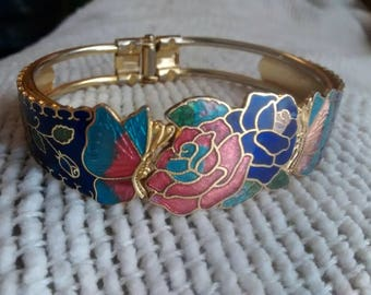 Vintage Cloisonne enamel floral Chinese painted hinged cuff bracelet, perfect condition, gold tone back