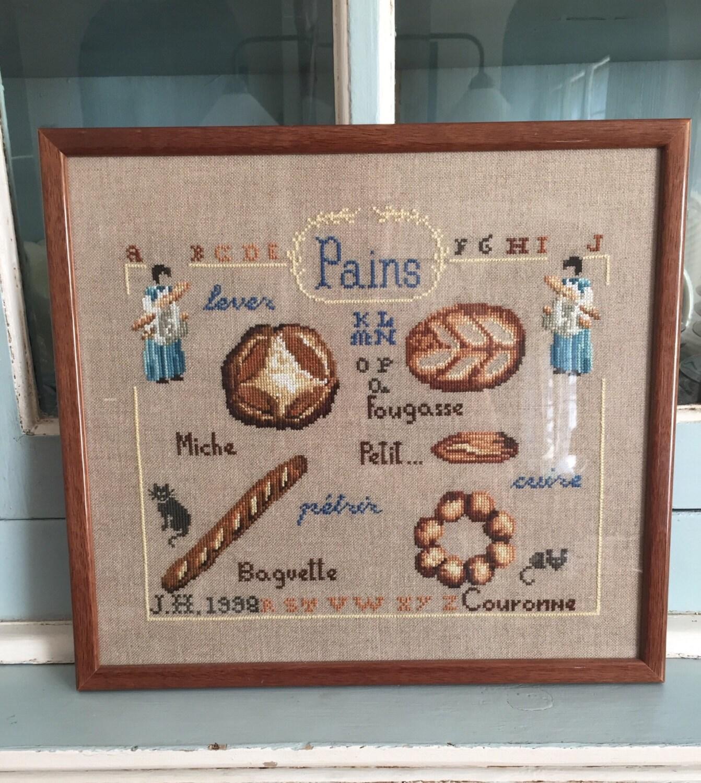 Umrahmt von Französisch Kreuzstich Stickerei Brot Baguette