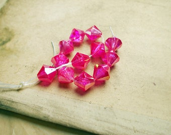 SALE Vintage Plastic Beads - 12 Faceted Pink Plastic Bicones- 10mm - Lightweight - Fuchsia Glow - 1980s Iridescent Magenta Pink Sparkle