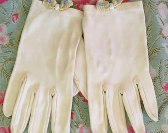 Ivory Vintage Gloves, Formal Gloves, Church Gloves, Wedding Gloves