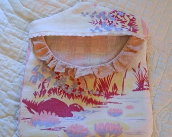 Scrappy MEADOW POND Clothespin Bag Fresh Air Line Drying, Pink Water Lilies Vintage Lace, Roomy Pocket Sturdy Handmade, Pinch Pegs Hanger