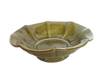 Vintage McCoy Pottery Serving Bowl Green Pottery Bowl Footed Serving Bowl Vintage Kitchenware Vintage Kitchen Decor