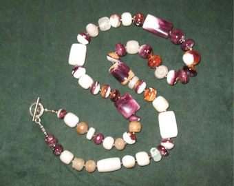 Spiny Oyster,  Natural Purple shell beads Necklace