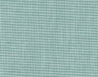 "HALF YARD 1/32"" HUNTER green Fabric Finders Microcheck Gingham"