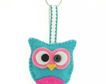 Felt Owl Keyring Keychain blue/pink- handsewn with keychain