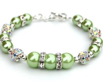 Green Pearl Bracelet, Bridesmaid Jewelry, Bling Bracelet, Spring Wedding, Green Beaded Bracelet, Green Wedding, St Patricks Day Jewelry
