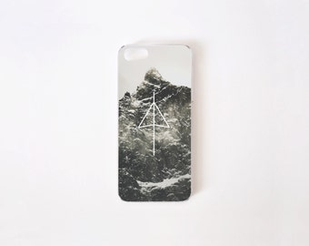 iPhone 5/5s Case - iPhone SE Case - Black Mountain iPhone Case - iPhone 5s case - iPhone 5 case - Hard Plastic or Rubber