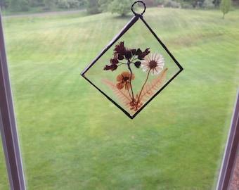 Beautiful Vintage Pressed Flower Suncatcher, Vintage Leaded Glass Suncatcher