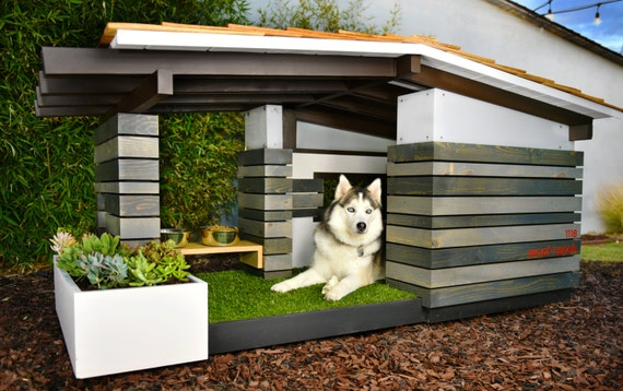 Modern dog house mid century ranch for Modern dog house designs