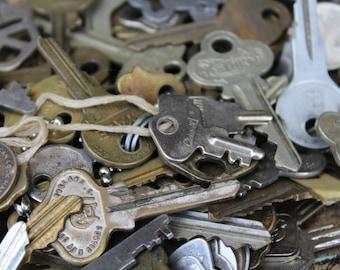 Vintage Keys / Mixed Lot of 10 Vintage Keys / Mixed Lot of 10 Vintage Keys / Old House & Car Keys / Vintage Key Supply / Wedding Supply
