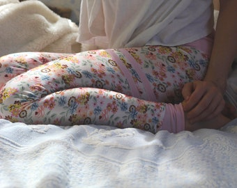 floral yoga pants women, floral yoga leggings, floral leggings, stripe leggings, pink yoga leggings, pink leggings, pastel leggings