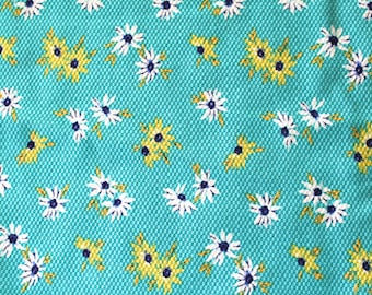 Vintage Cotton Fabric: Blue Daisy Floral Print 2.9 Yards