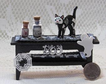 Black Cat Halloween Dollhouse Miniature Table