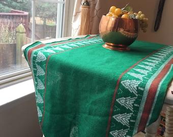 Christmas Table Runner, Classic Christmas Tree Table Cloth, Table Runner, Buffet Tablecloth, Vintage Linen, Woven Table Runner