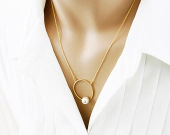 Pearl on the Circle Necklace White Pearl and Circle Necklace Bridesmaid Gift