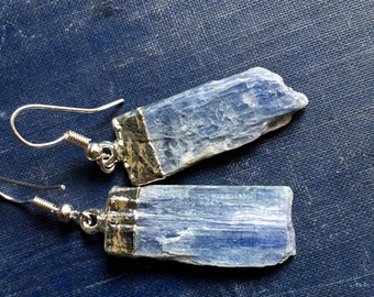 Kyanite Silver Earrings,Kyanite Earrings Silver,Raw Gemstone Earrings Silver,Silver Edged Raw Stone earrings,Kyanite Blue Gemstone Earrings