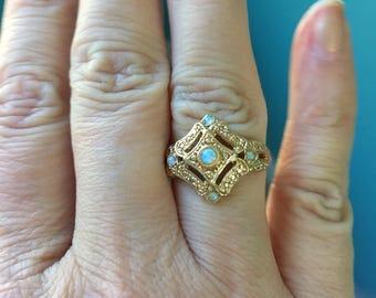Opal Ring - 9K Gold - Vintage