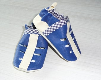 Perforated soft booties / slippers / mocs