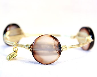 Milky White Edged in Brown Agate Coin Wire Wrap Bangle Bracelet Stacking Bracelets Stackable Bangle Gold Wire Wrapped Bangles Stone Bangle