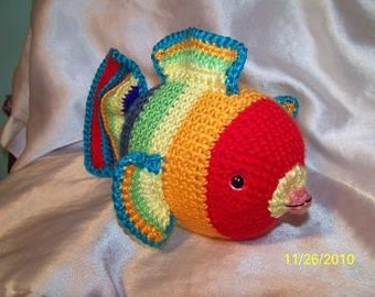 Roy G Biv the rainbow crochet fish amigurumi