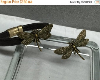 On Sale NOW 25%OFF Large Dragonfly Focal Bead For 10x6mm Licorice Leather Antique Brass Z2426 Qty 1