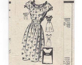 1940s Anne Adams 4653, Peasant Dress, Gathered Neckline and Dirndl Skirt, Mail Order Pattern, Bust 30 Size 12