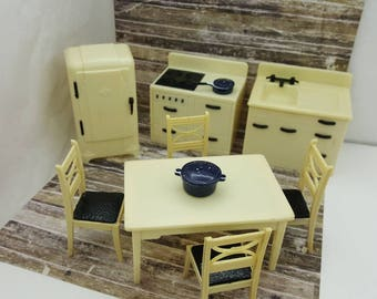 Renwal White and Black   Retro  Kitchen Toy Dollhouse Fridge Stove Sink Table and Chairs