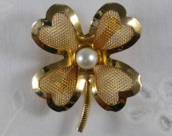 Sale!  Vintage Coro Four Leaf Clover Brooch in Gold Tone with Pearl