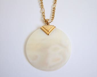 VINTAGE Necklace 1980s Modern White Shell Gold
