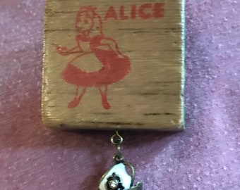 Alice in Wonderland brooch antique brooch vintage Steam Punk accessories alphabet blocks teacups
