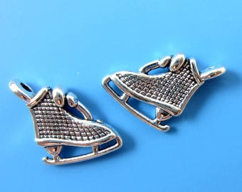 12 Ice skate charms antique silver skate pendants double sided holiday charms winter sports 15mm x 10mm HP859 (AA2)