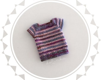 Handknitted purple top for blythe doll