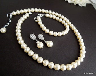 bridal jewelry set, Bridal pearl necklace set, bridesmaid jewelry set, wedding pearl set, wedding jewelry set, classic jewelry set, MAUDREY