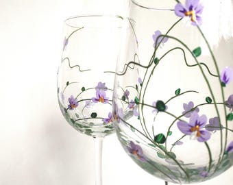 "Wine Glasses,Orchids Wine Glasses,Birthday Gift,Christmas Gift,Gift for Mom, for Her,Keepsake,Kitchen Decor - ""Purple Orchids"" -- Set of 2"