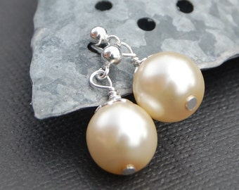 Pearl Stud Earrings, Ivory Pearl Earrings, Wedding Jewelry, Bridal Party, Pearl Post Earrings, Minimalist Jewelry, Simple Pearl Earrings