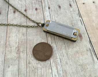 Miniature Harmonica Necklace Pendant Mini Vintage Style Harmonica Pendant Charm Small Silver Mouth Harp Organ REALLY WORKS 081