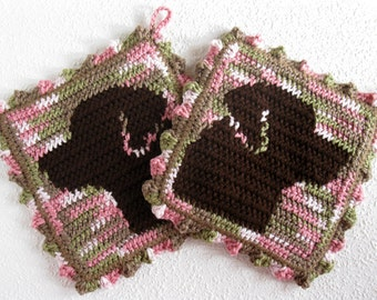 Labrador Retriever Potholders. Pink camouflage, crochet pot holders with chocolate Labs. Labrador gift