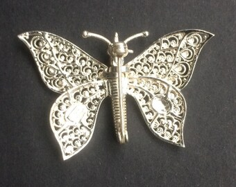 Vintage Sterling Silver Butterfly Brooch with articulated/movable front wings - 35mm x 25mm