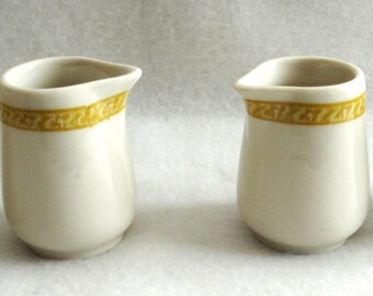 4 Vintage Sterling China Restaurant Ware Individual Creamers Mustard Color Trim