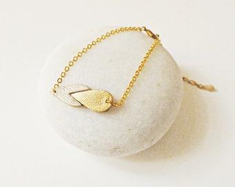 Graphic bracelet / Drop shaped leather bracelet Kalypso Nude / Bicolore / Gold