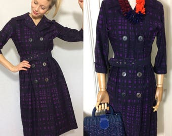 Amazing 1960's cotton dress, Mad Men style, Purple vintage dress, Checked dress, Double breasted dress.