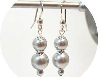 Gray Earrings, Silver Gray, Bridesmaid, Wedding, Gray Pearl, Gray Jewelry, Grey, Bridal Accessories. Bridesmaid Gift, Bridesmaid Earrings,