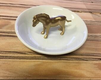 Animal topped ring dish