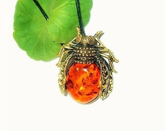 Fly insect jewelry Insect necklace Fly jewelry Amber jewelry Art Insect jewelry Amber pendant Insect Gifts Insect Lovers romantic gift girl