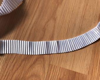 White pleated Ribbon
