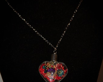 Necklace glass heart flowers